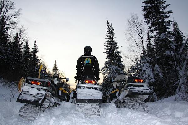 Motoneige/Buggy/chiens de traîneau au Québec !