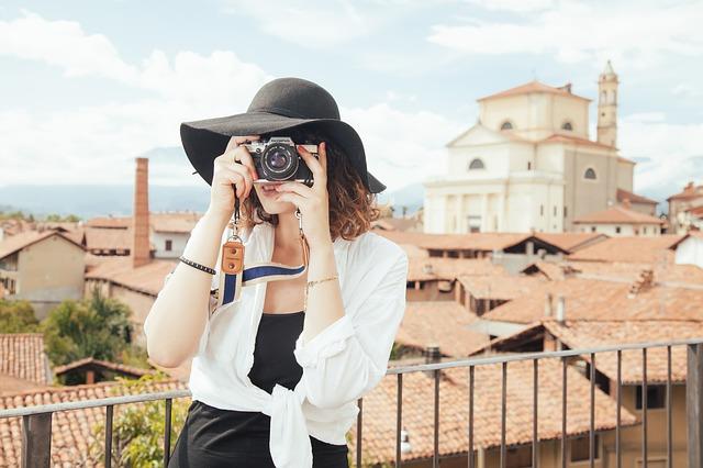 10 hôtels pour les voyageuses en solo!