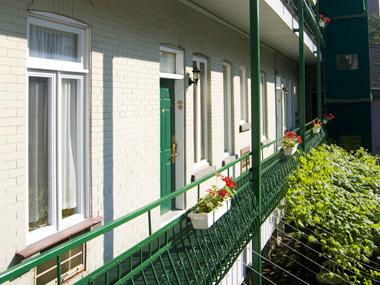 Tu cherches une auberge propre calme et bien situ e for Auberge jardin antoine